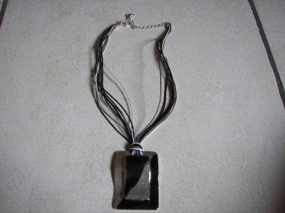 Collier Noir