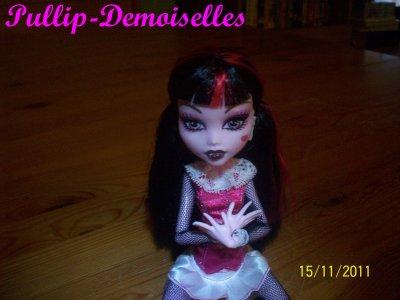 Présentation De Draculaura Basique ~ Ma Première Monster High