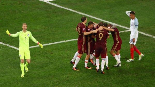 Match nul pour l'Angleterre et la Russie (1-1)