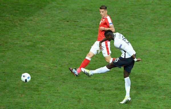 La France obtient la 1ère place grâce à un nul face à la Roumanie (0-0)