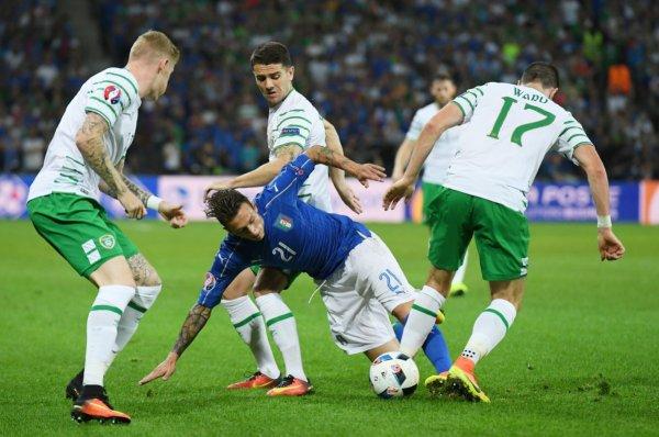 L'Irlande bat l'Italie (1-0)