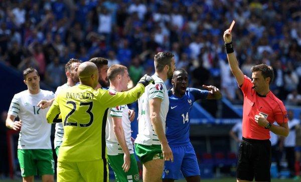 La France se qualifie grâce à Antoine Griezmann et élimine l'Irlande (2-1)
