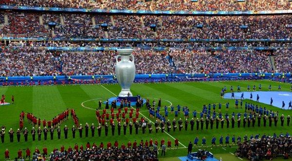 Magnifique cérémonie de cloture de l'Euro 2016