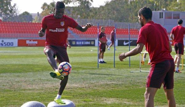 Les Colchoneros de nouveau à l'entrainement en attente du match fave au Deportivo