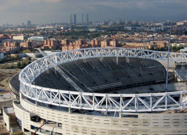 Le construction du stade avance