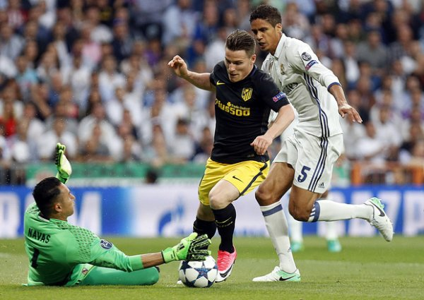 Real Madrid-Atlético Madrid 3-0, le Real a un pied en finale