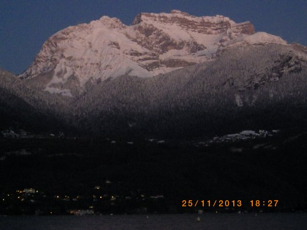 quelque clicher du lac d Annecy et des c est montagne enneigees