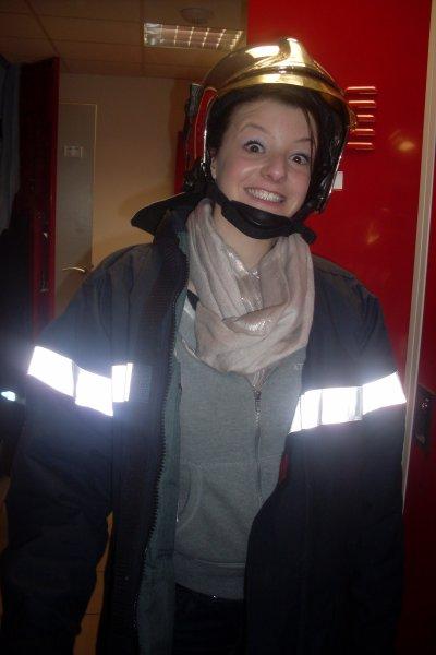 marie trop sexy en mode pompière mdr
