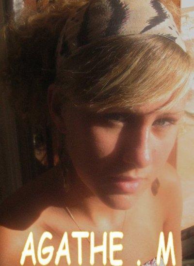Agathe. 17 ans. Paris. Espagnol
