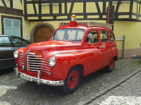 ancienne voiture des pompiers