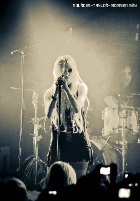 9.12.2010 / Concert à la Maroquinerie ( Paris )