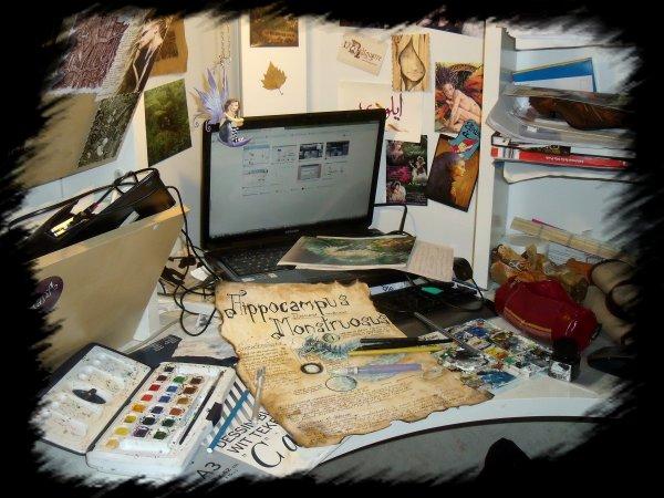 Nouveau travail en cours... avec décor du bureau en prime ^^