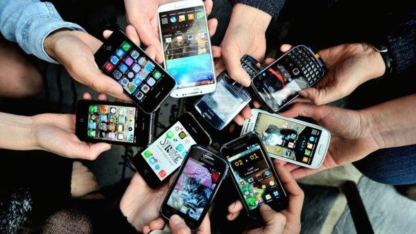 La nomophobie : le mal de la génération Z, accro au smartphone