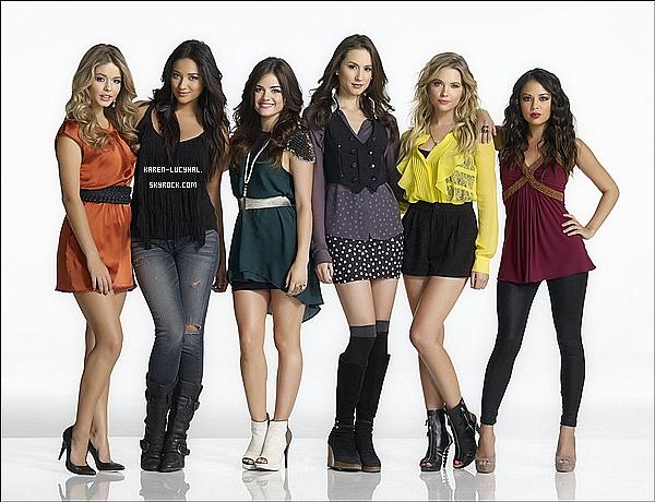 Le shoot complet pour la promo de la saison 2 de Pretty Little Liars vient d'apparaître.
