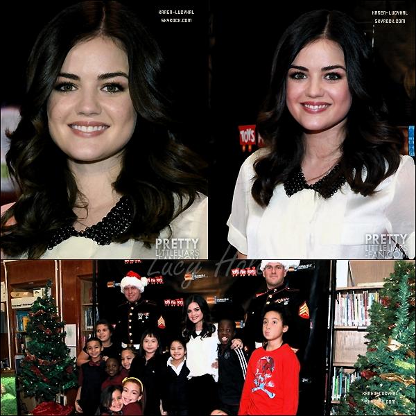 20 Novembre 2012 Lucy était à New York pour l'évènement 2012 Duracell « Power Holiday Smiles » Campaign Kick-Off! Lucy était toute mimi!