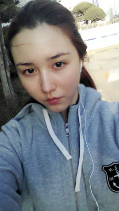 100413 {TWITTER} ♥ Tia, au naturel ~