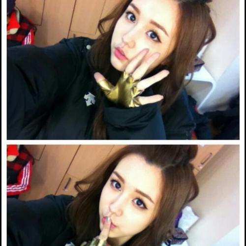030513 {TWITTER} ♥ Nouvelle photo de profil pour Soa et Tia !