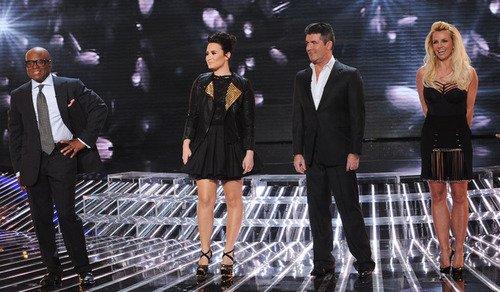 Le 28 novembre, X-Factor a été diffusé en live sur FOX