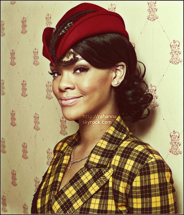 [a=].  Découvrez ou redécouvrez un vieux photoshoot de Rihanna datant de 2007 !  Tu aimes ? [a=].