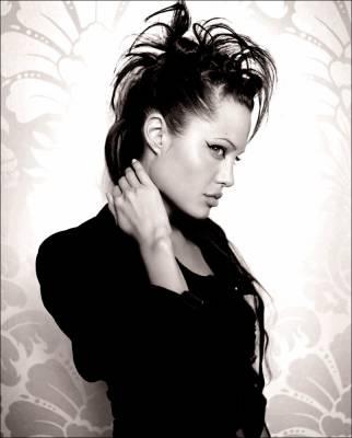 Angelina Jolie Juste En Noir Et Blanc