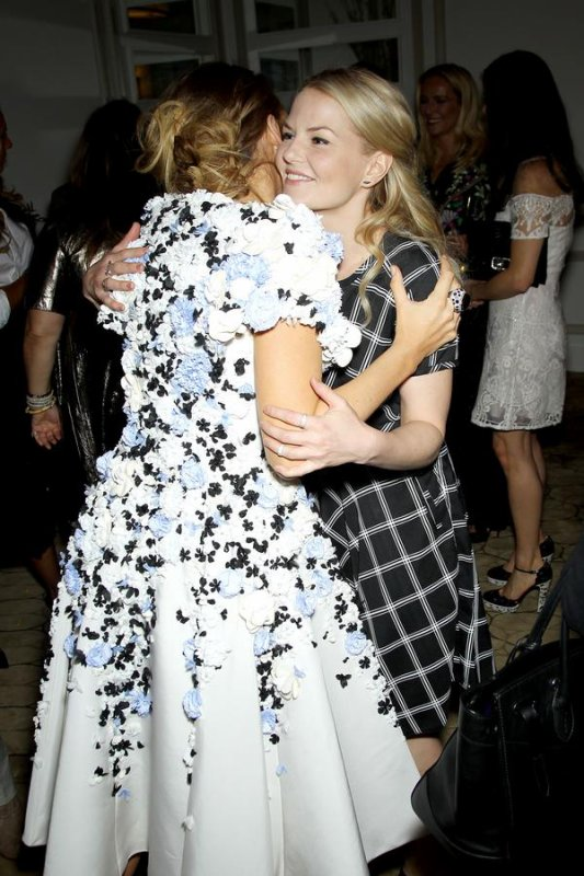 Serena with Emma !!! <3 <3 *O*