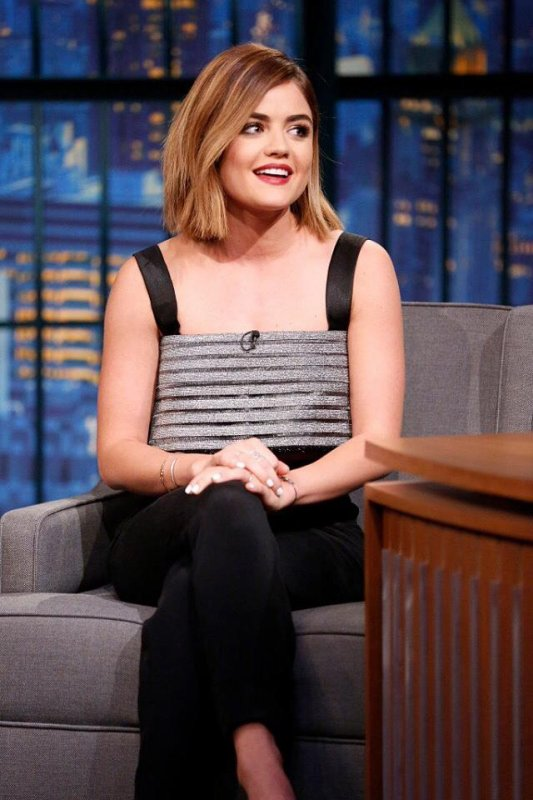 Pretty Little Lucy on Seth Meyers *O* <3 <3 <3 Can't stop loving her :3