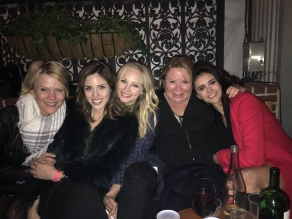 The girls are back !!!  *....* ❤❤❤❤ #TVDseason8 #Farewell #LastScene #TVDforever