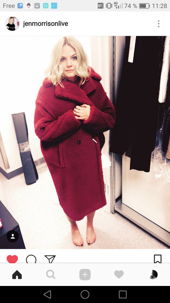 She is so cute :3 ❤#Jen