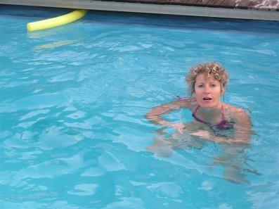 ma mère qui se baigne