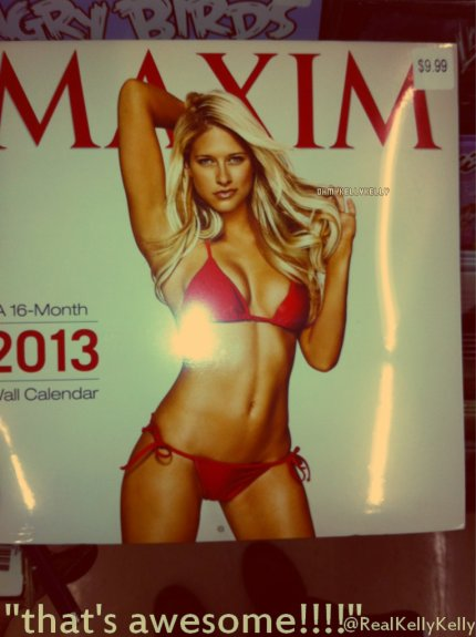 "Actu : -29/o7/2o12- Kelly²apparaît  sur le calendrier ""Maxim 2013"". (Photo Twitter)"
