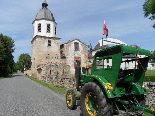 Le 28 mai 2012 : 28° étape du Tour de la France en tracteur Société Française à Boule chaude de 1953.
