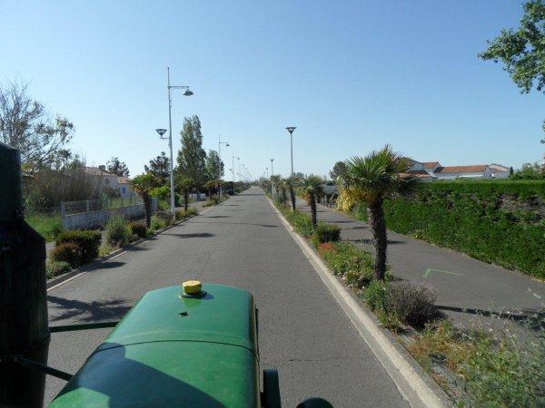 32° jour : Le 1 juin  + de 4 000 Kms pour ce Tour de la France en tracteur SFV 302 de 1953