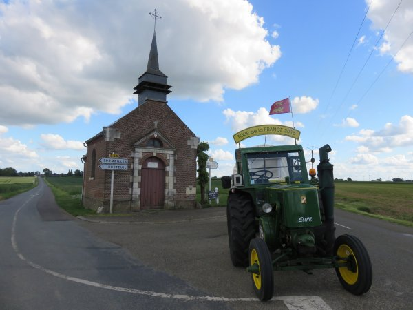 Jean-Yves Brochard au 3° jour : Le 20 mai 2015  2°Tour de la France en tracteur SFV de 1953