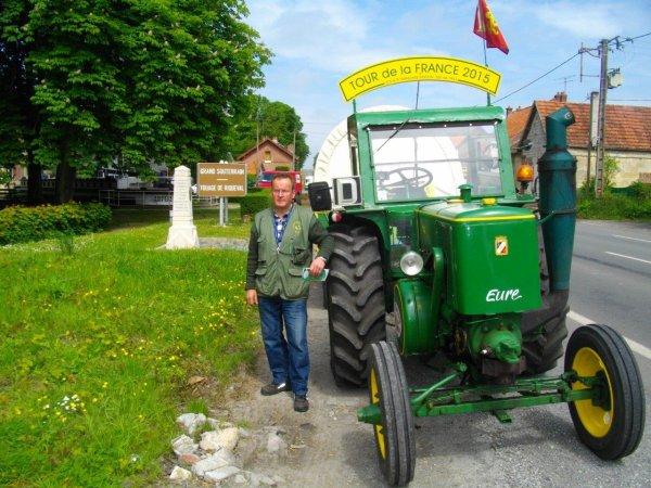 Jean-Yves Brochard 5° jour : Le vendredi 22 mai 2015 Tour de la France en Tracteur Société Française Vierzon SFV de 1953