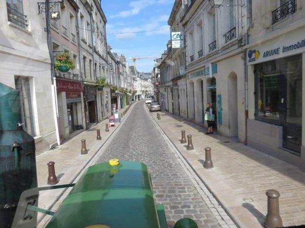 Jean-Yves Brochard le vendredi 22 mai 2015 Tour de la France en tracteur Société Française Vierzon SFV de 1953