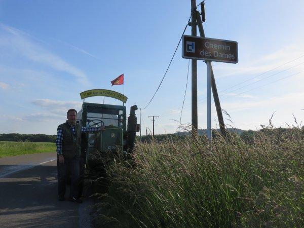 Tour 2015, Jean-Yves Brochard reprends le récit de son 2° Tour de la France avec son tracteur Société Française Vierzon 302 de 1953