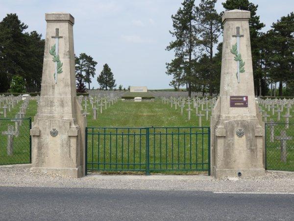 Tour de la France en tracteur SFV 302 de 1953, 6° jour : Le samedi 23 mai 2015 dans la Marne.