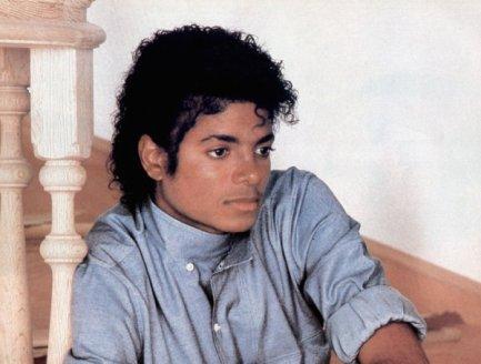 Michael n'est pas mort ♥ =D !!