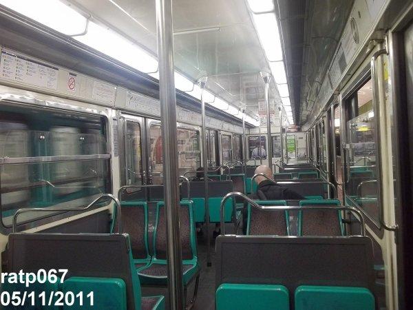 Ligne m tro 9 train mf67 int rieur et ext rieur blog for Metro interieur