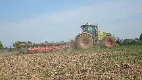 Labours pour semis de maîs ...............