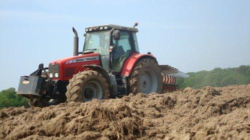 Labours pour semis de maîs ......................