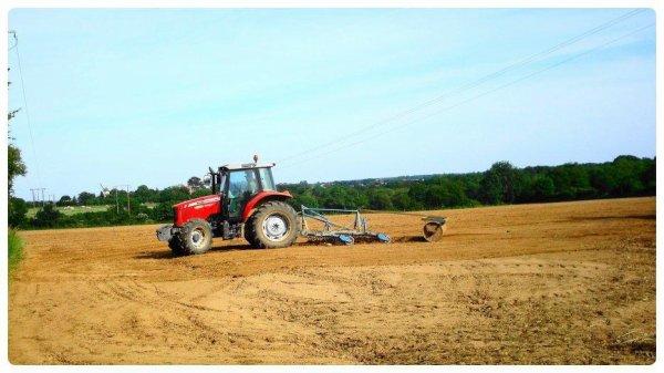 Préparation des Terres le Jeudi 31 Mai 2012 ( MF & CARRE ) ...