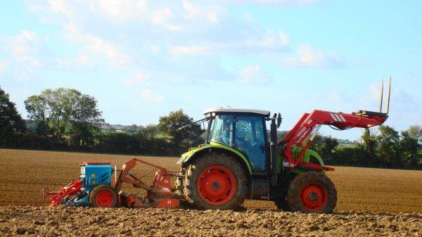 Semis de blé le Dimanche 28 Octobre 2012 ( CLAAS & HOWARD-SULKY ) ...