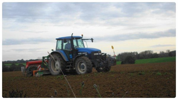 Semis de blé le Lundi 29 Octobre 2012 ( NH & AMAZONE-NODET ) ...