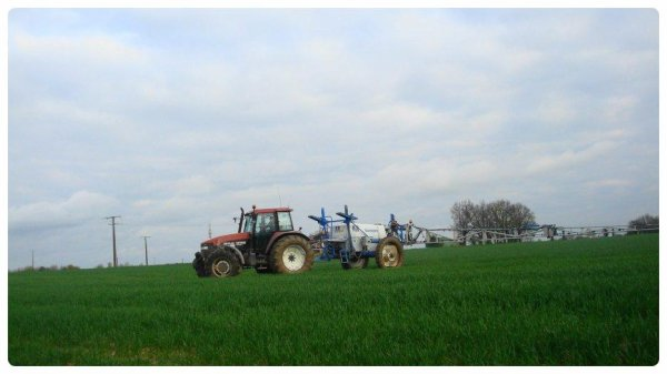 Fongicide sur le blé le Mardi 23 Avril 2013 ( NEW-HOLLAND & BLANCHARD )