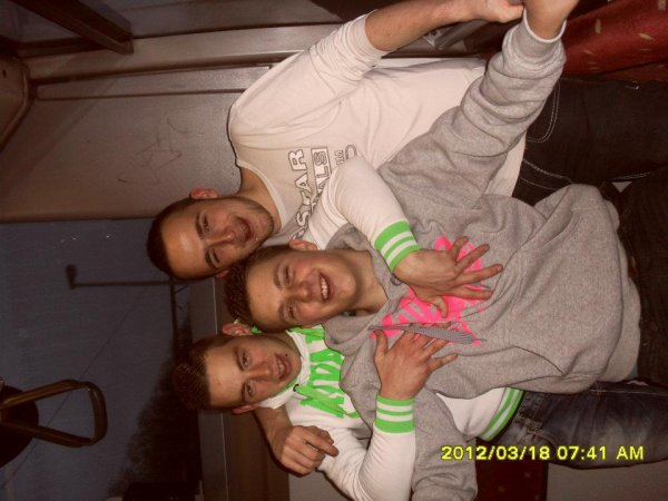 moi et mai amis dans le bus xd