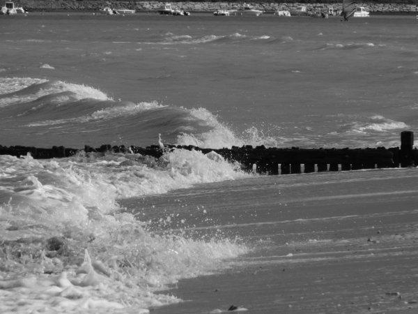 L'estuaire de l'Orne. Une grande marée bien agitée.