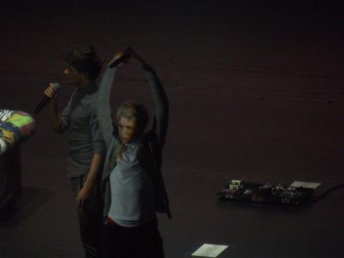 Oh la !! c'est au tour de Niall de se réincarner en danseuse étoile