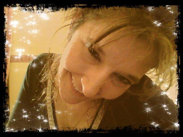 kikou c moi binou * je vous souhaite une agréable visite sur mon blog ! à bientot *