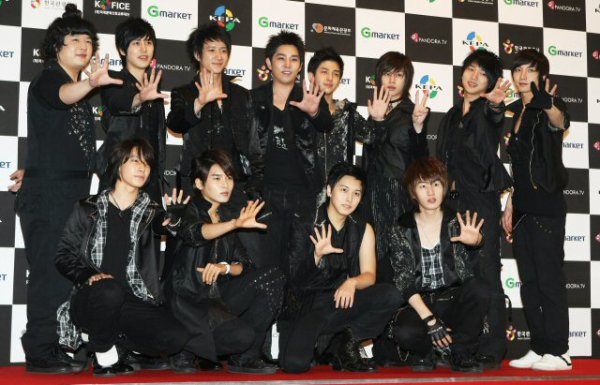 Today is Super Junior's day & Elf's day. Today is the 6th birthday of Super Junior but also Super Junior K.R.Y. 5th anniversary ♥